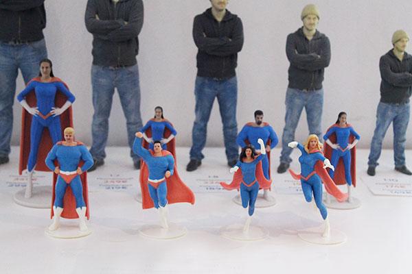 3D-Figuren_Photopolymer_Superhelden_Posen