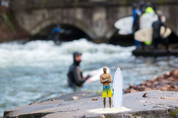 3D-Figuren_Polymergips_Surfbrett_Eisbach